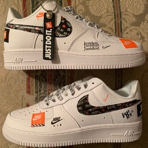 Nike Air Force 1 Just Do It 8.5 Mens